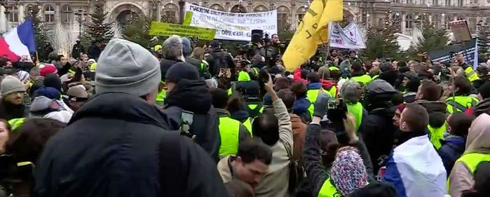 yellowvests2.jpeg
